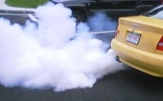 Почему из трубы идет белый дым