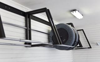 Способы хранения шин в гараже фото