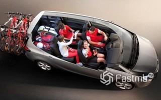 Широкий автомобиль для семьи